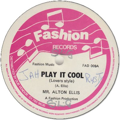 PLAY IT COOL (VG+/WOL) / PLAY IT COOL Dancehall Style (VG+/WOL)